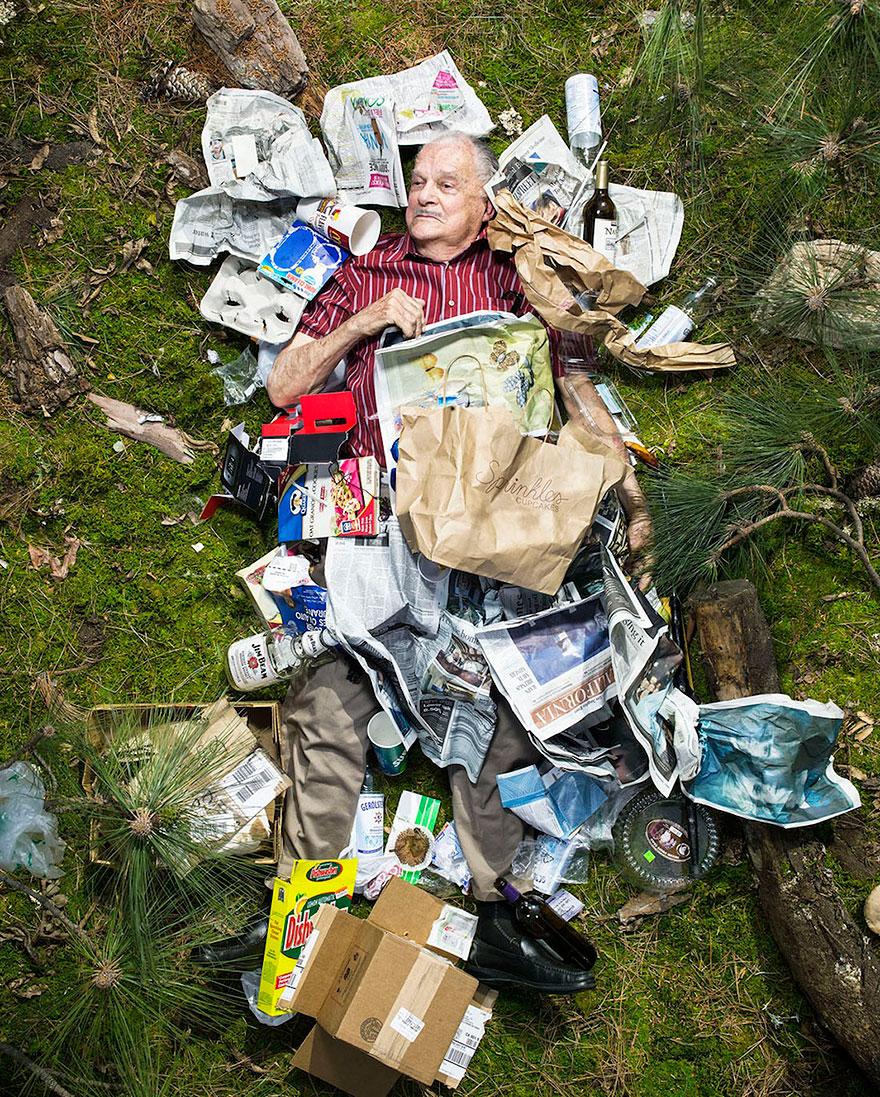 7-days-of-garbage-environmental-photography-gregg-segal-6