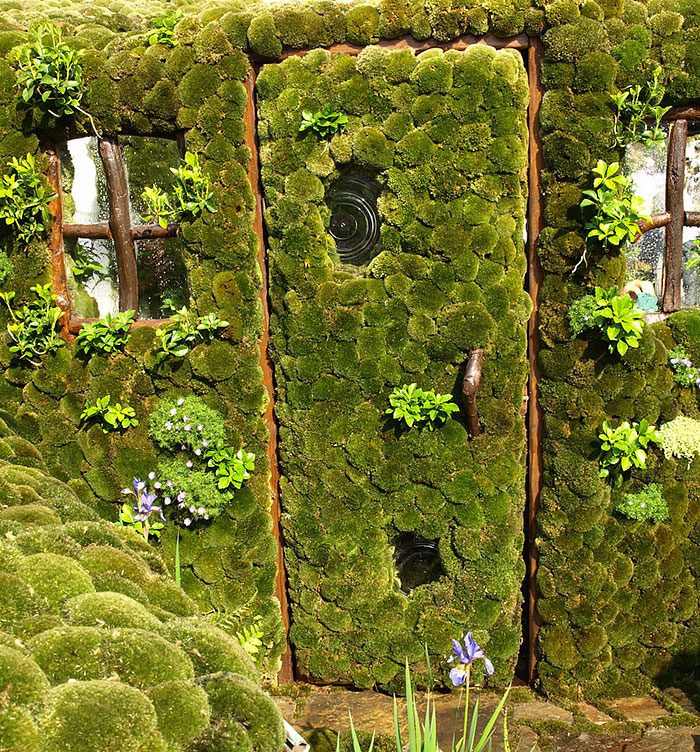 Secret Garden: 30 Beautiful Doors That Seem To Lead To Other Worlds