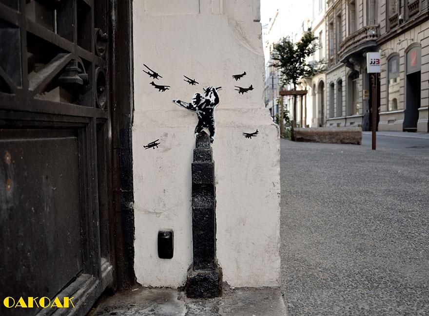 creative-street-art-oakoak-2-27