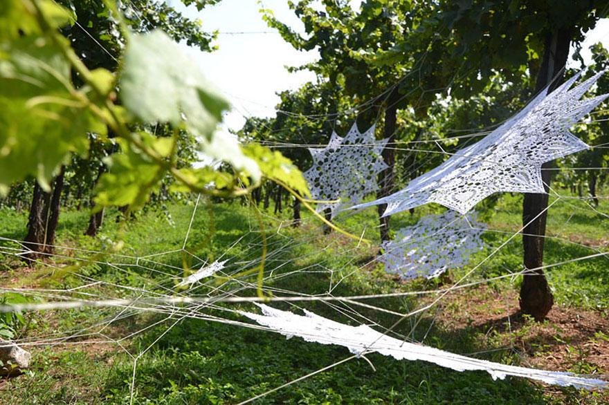 crochet-lace-street-art-nespoon-18