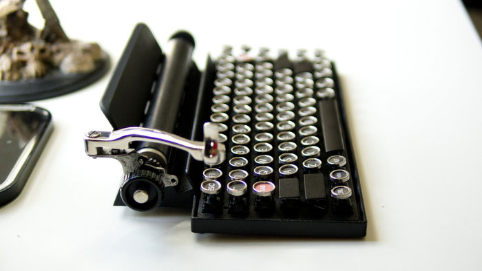 vintage-typewriter-qwerkywriter-usb-keyboard-brian-min-1
