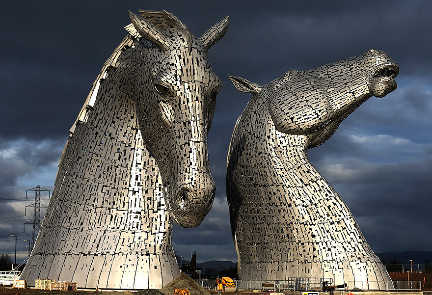 25 Of The Most Creative Sculptures And Famous Statues From Around
