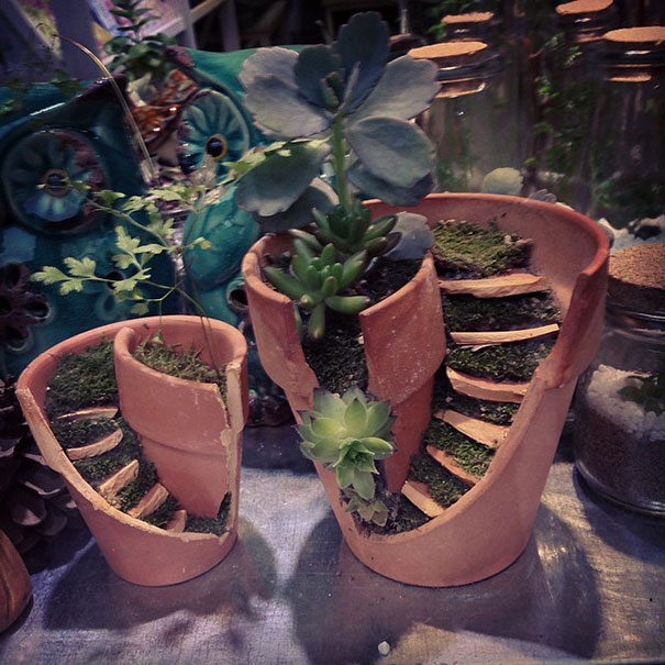 Broken Pot Fairy Garden 8
