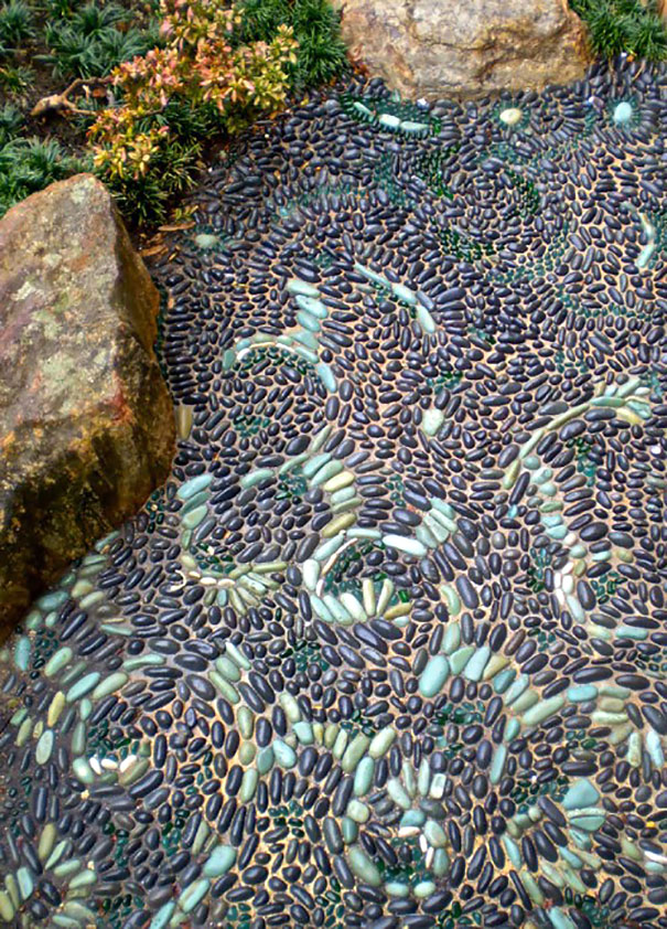 garden-pebble-stone-paths-19