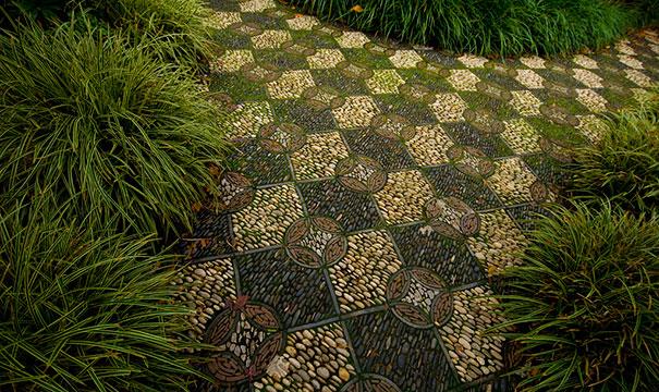 garden-pebble-stone-paths-4