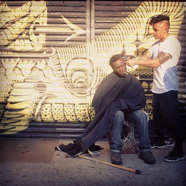 cabeleiros-mendigo-mark-bustos-1