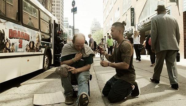 haircuts-for-homeless-mark-bustos-12