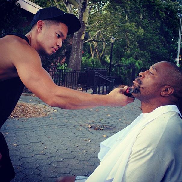haircuts-for-homeless-mark-bustos-5