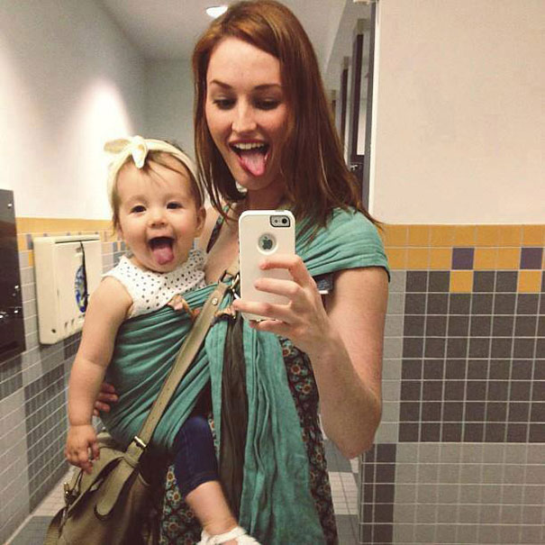 like-mother-like-daughter-funny-photography-43