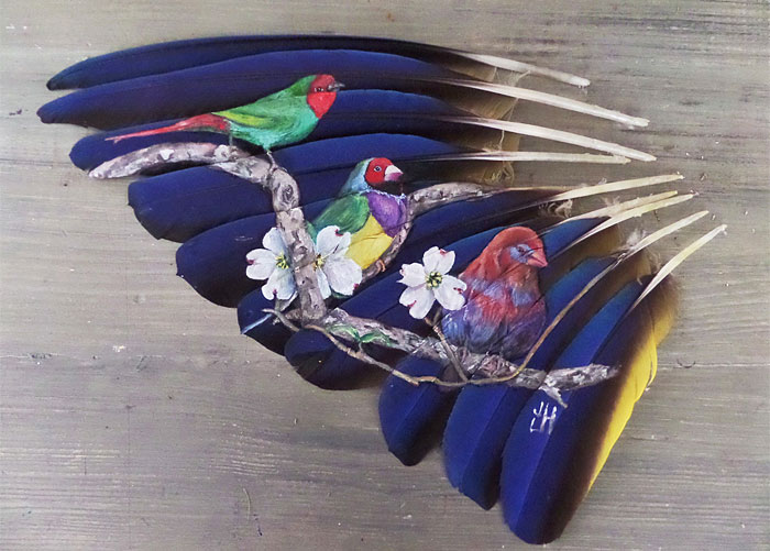 I Use Feathers As Canvases For My Intricate Animal Paintings