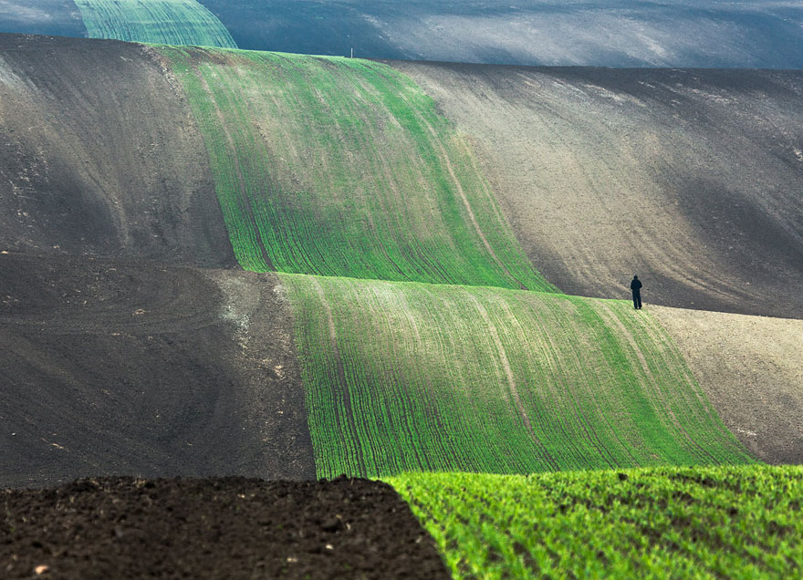 small-man-grand-nature-landscape-photography-4