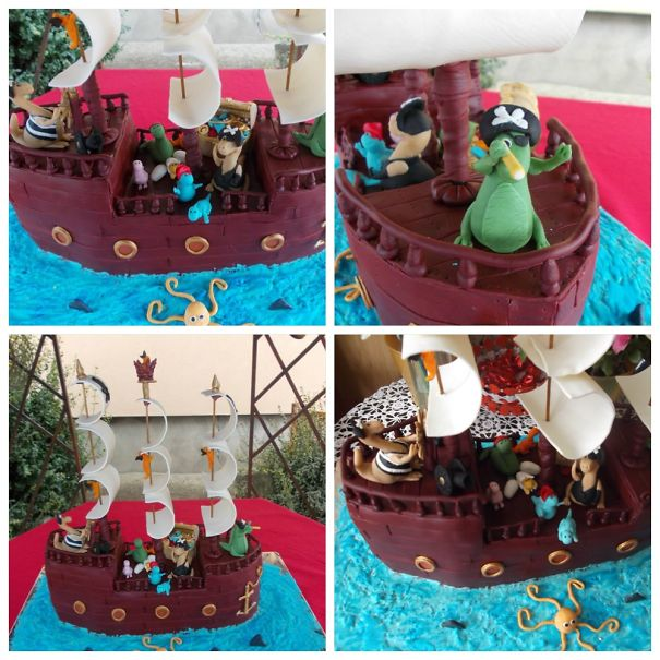 Dinos In A Pirate Ship