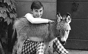 Rare Photos Of Audrey Hepburn That Capture Her Iconic Charm