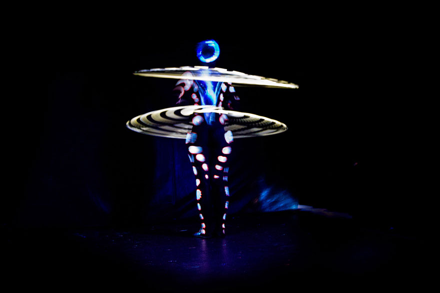 mesmerizing-light-trails-hula-hoop-6