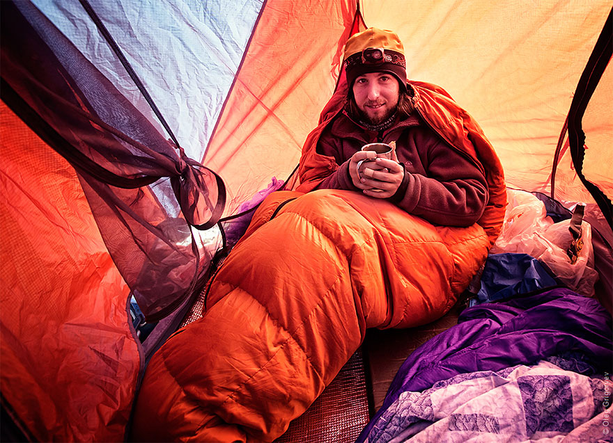 morning-views-from-the-tent-photography-oleg-grigoryev-10