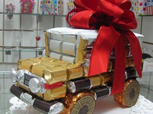 Hershey´s Chocolate Car Model With Chocolate Oreo Wheels