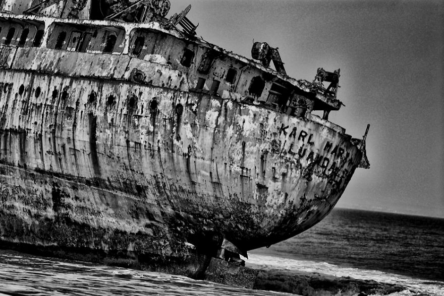 Bay Of Wrecks, Angola