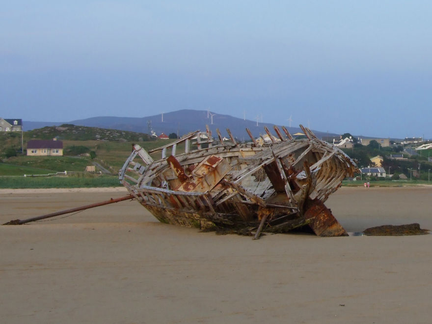 Cara Na Mara (friend Of The Sea) On Magheraclogher Beach, Bunbeg Ireland