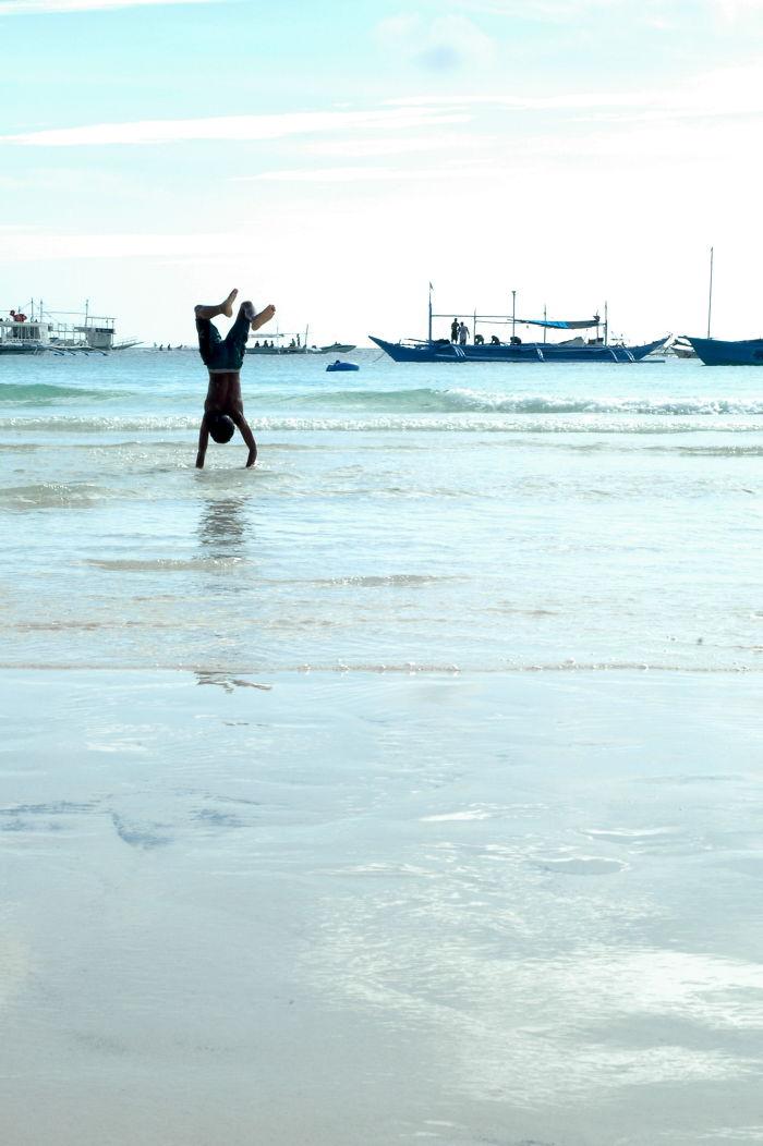 Handstand, Philippines
