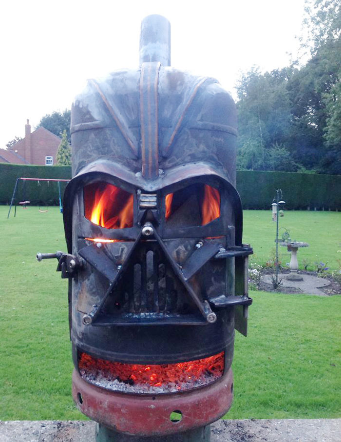 darth wader fire pit bored panda. Black Bedroom Furniture Sets. Home Design Ideas