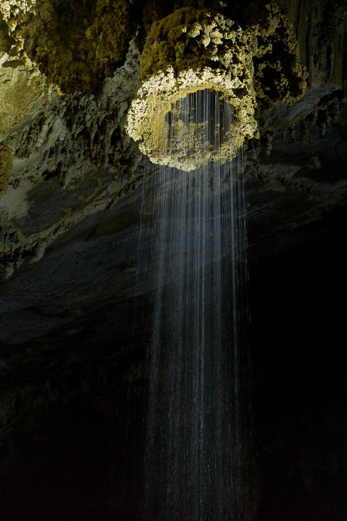 The Shower – Temimina Cave – Brasil
