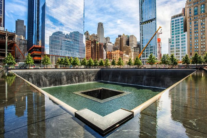 Memorial Fountain, New York City, Usa