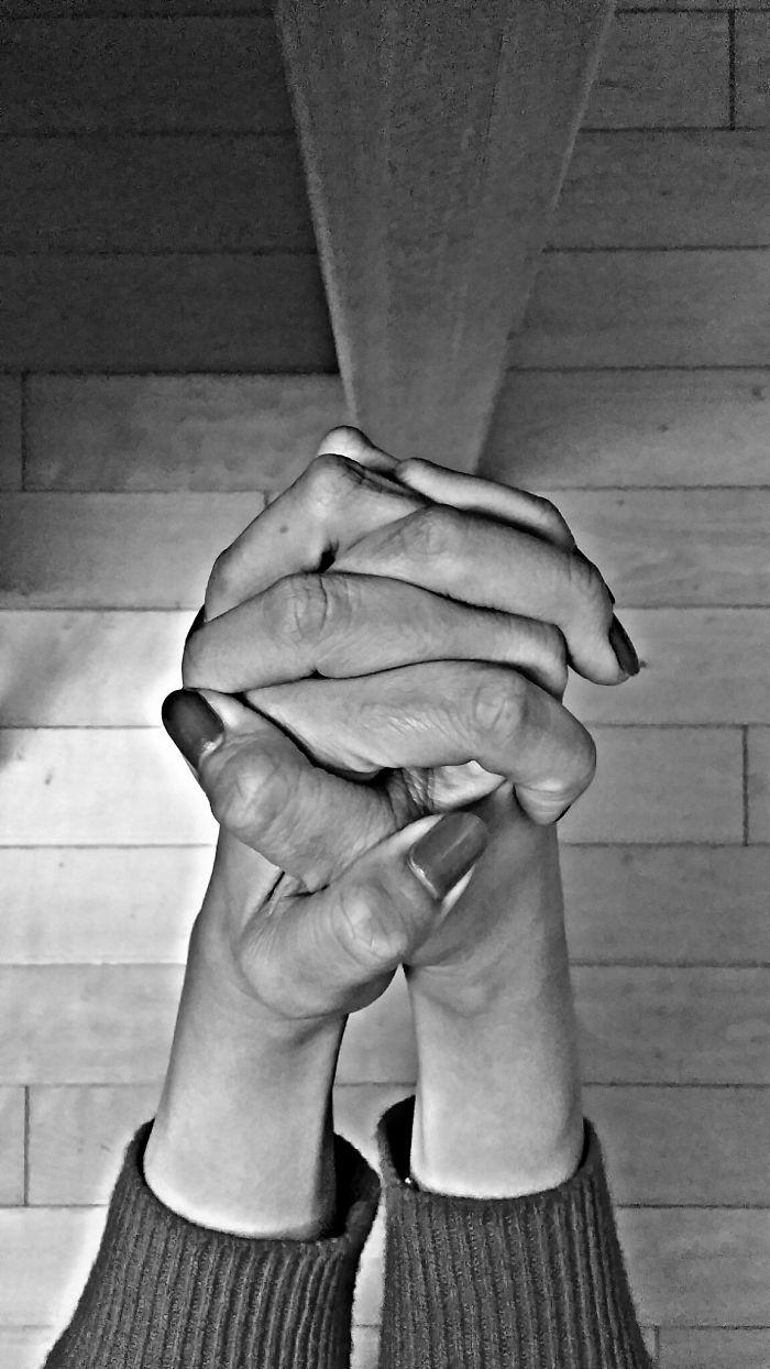 Bomi's Hands