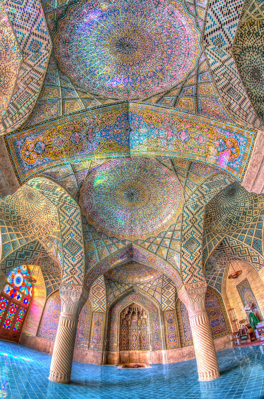 20 mesmerizing mosque ceilings that highlight the wonders for Beautiful ceilings and interiors