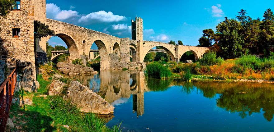 Old Bridge Over Fluvià's River, Besalú, Spain