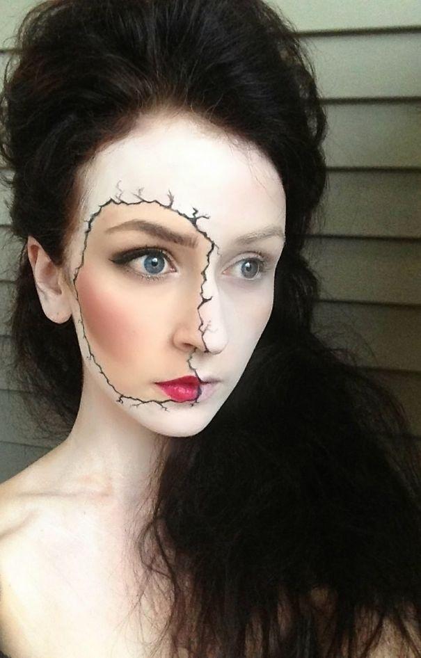 Cracked Make Up