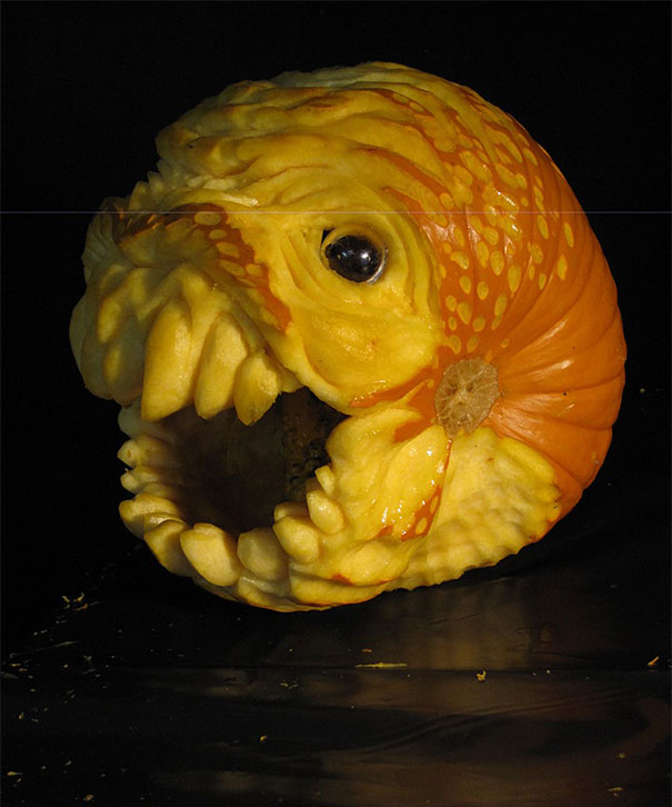 creepy-pumpkin-carvings-jon-neill-15