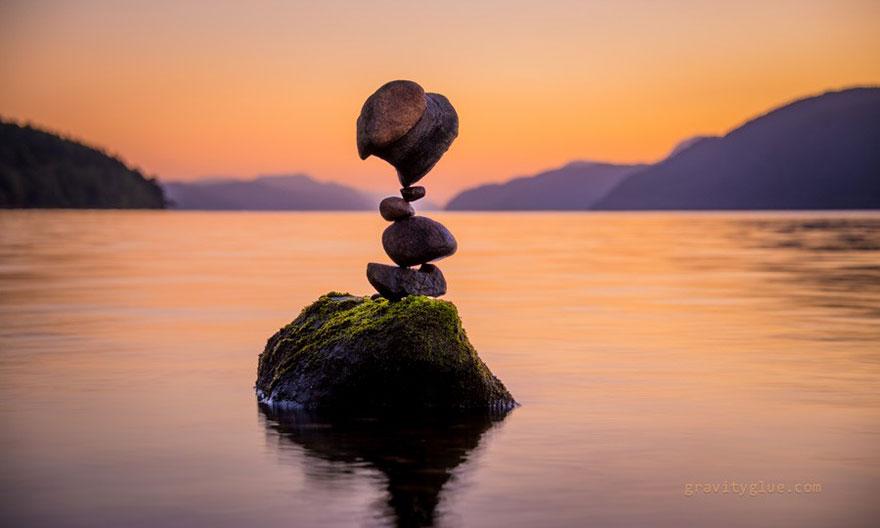 gravity-stone-balancing-michael-grab-10
