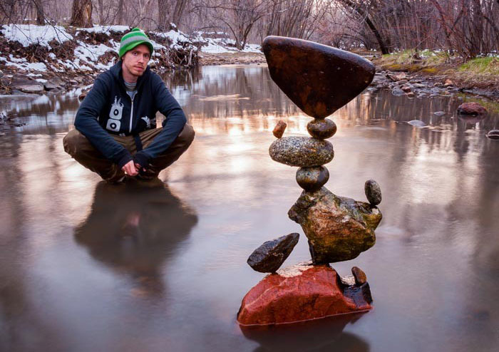 Artist Creates Impossible Towers Of Balanced Rocks To Meditate