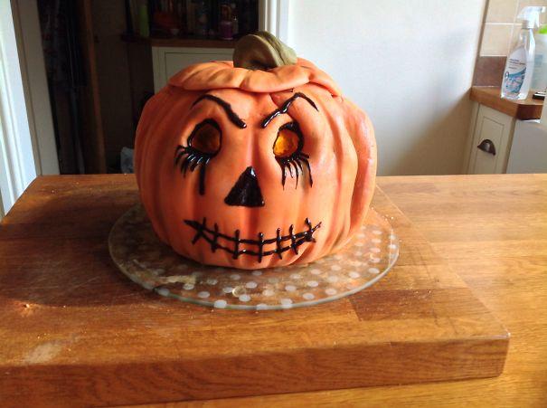 Light Up Pumpkin Cake