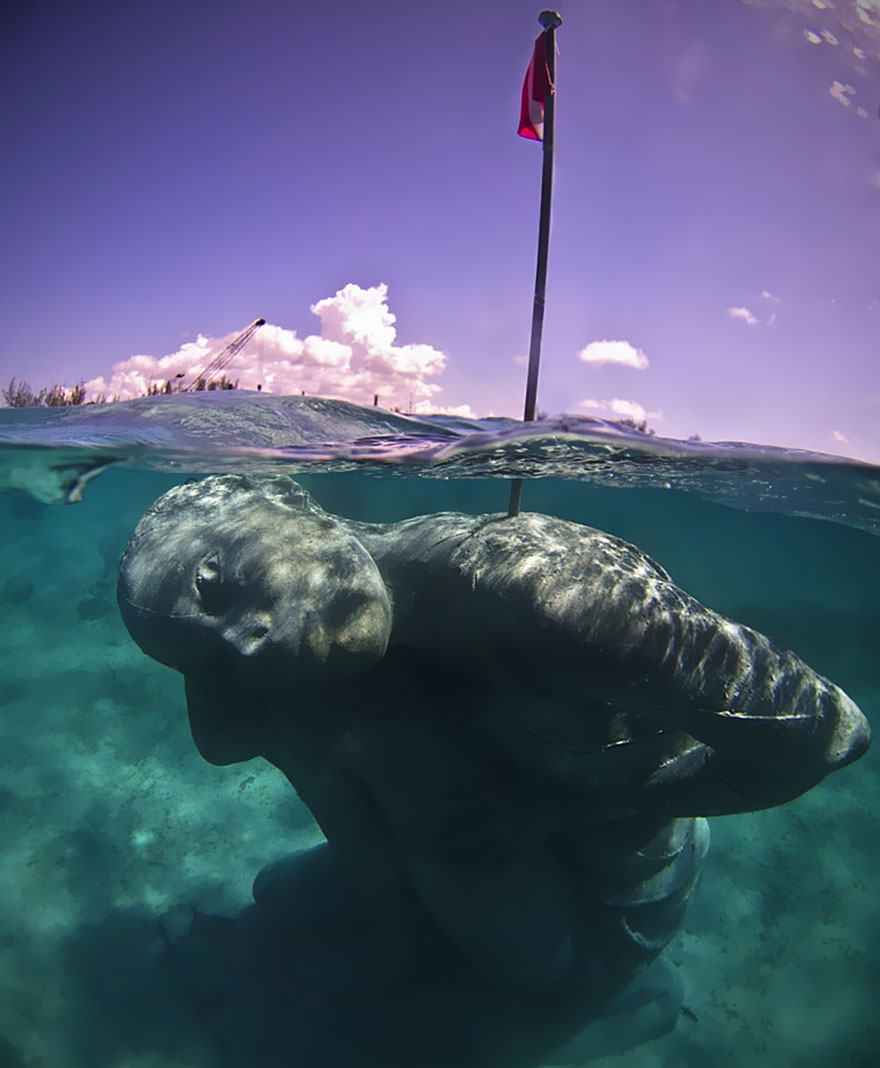 ocean-atlas-bahamas-underwater-sculpture-jason-decaires-taylor-7