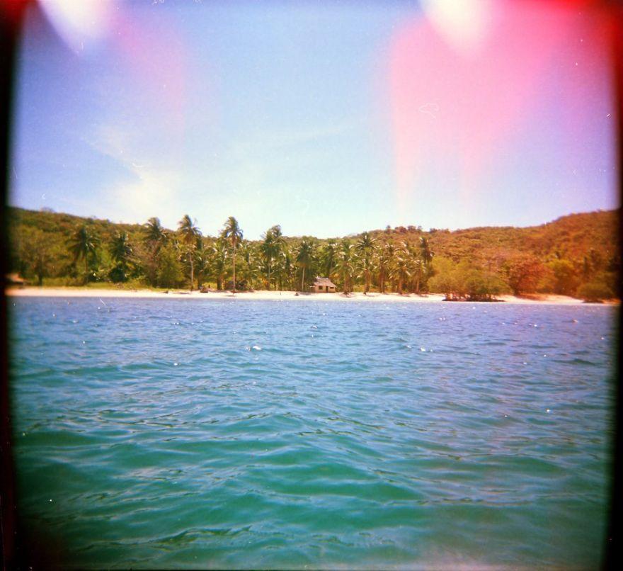 Cabin On The Beach, Opposite Of Popotan Island, Palawan, Philippines