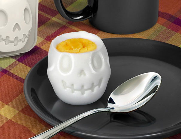 skull-egg-mold-egg-o-matic-2