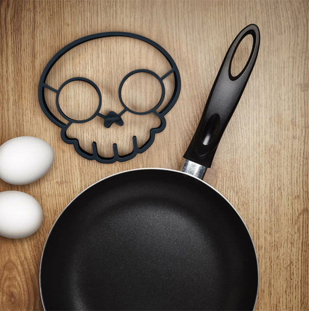 skull-egg-mold-egg-o-matic-4