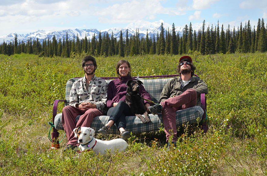 three-friends-two-dogs-one-futon-roadtrip-photos-8