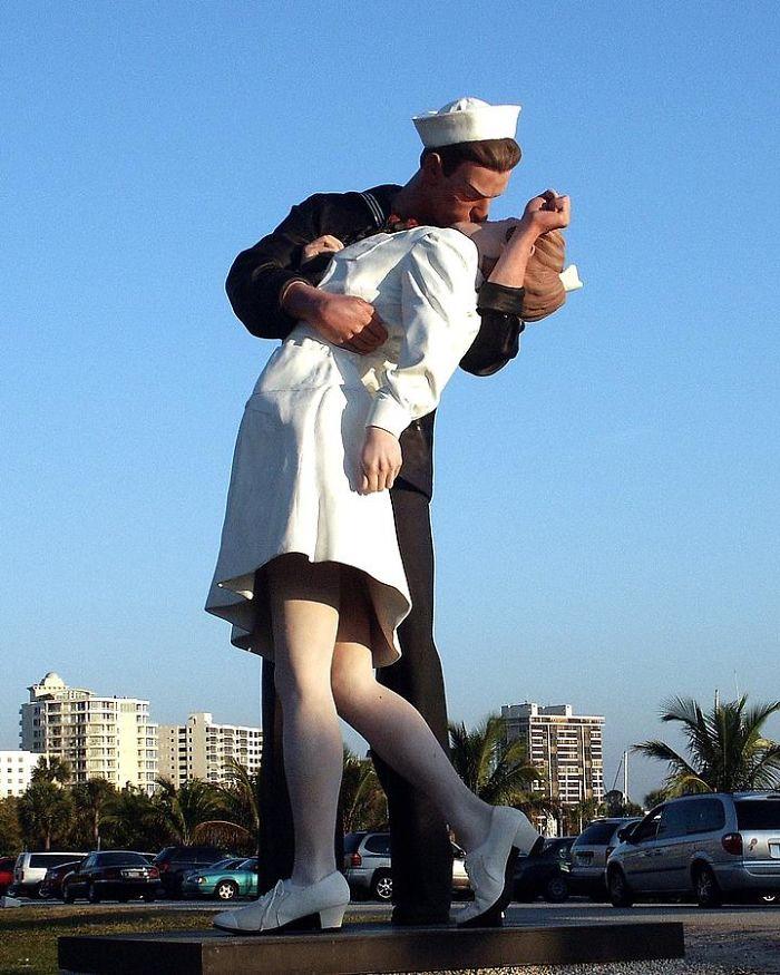 Unconditional Surrenderer,in San Diego Ca By Seward Johnson