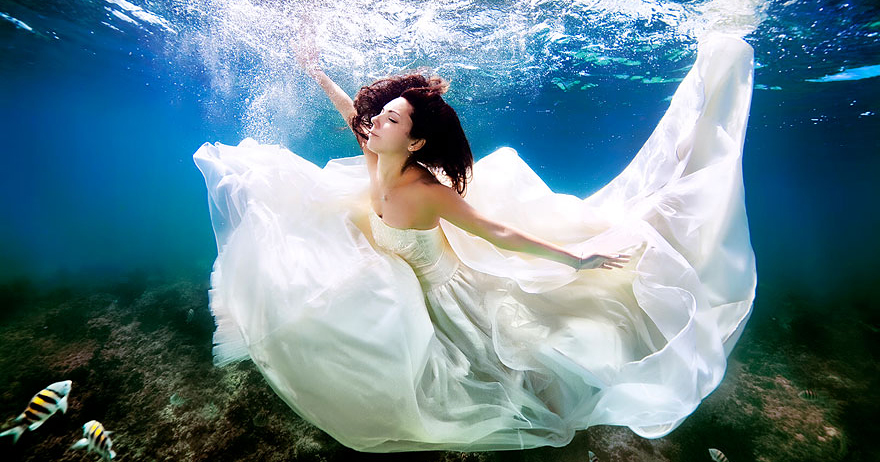 Mermaid Brides: I'm Breaking The Rules Of Traditional Posing And Bringing My Brides Underwater!