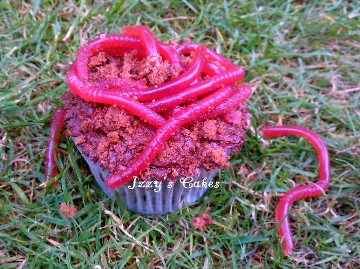 Earthworm Cupcakes!