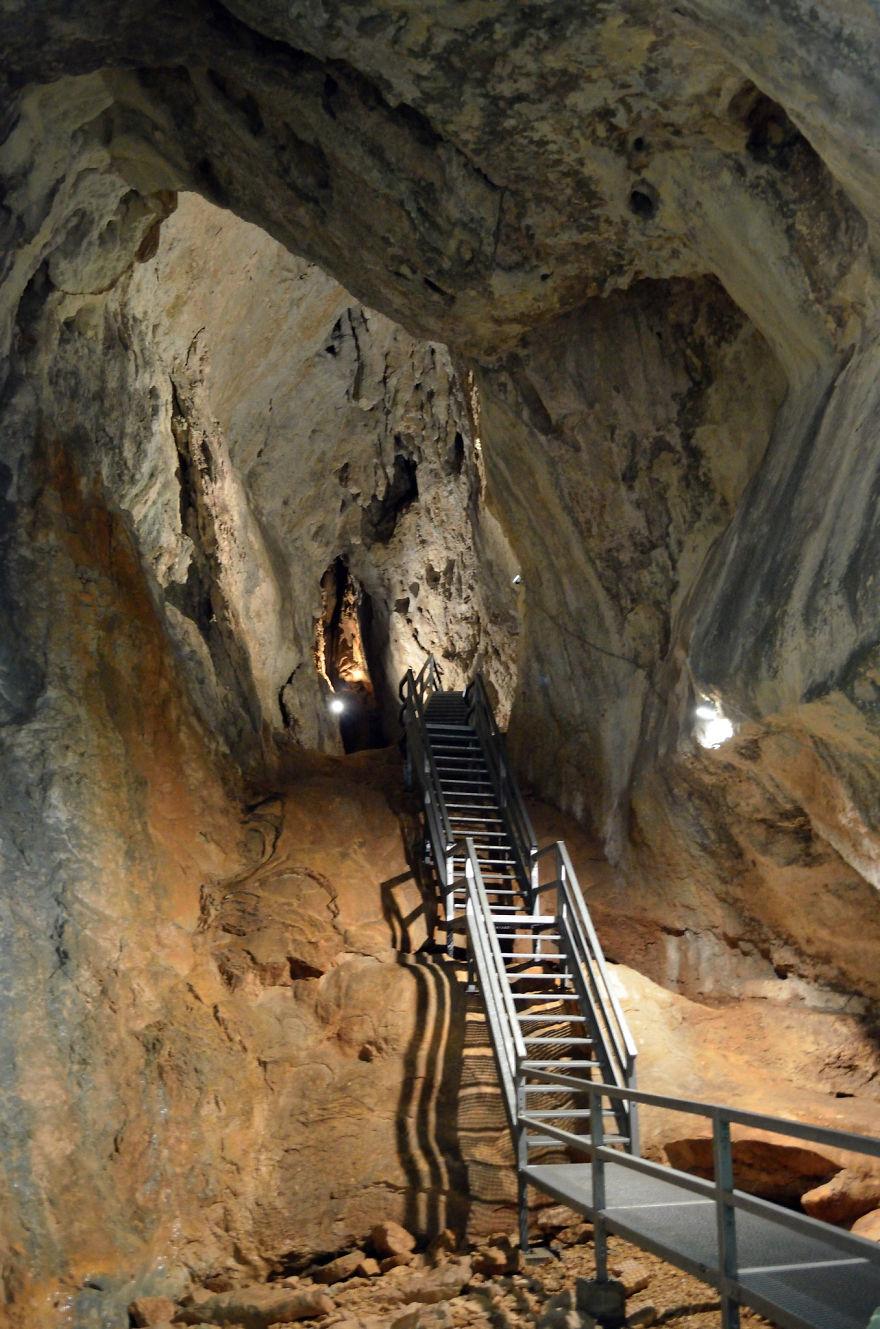"""""""poarta Lui Ionele"""" Cave In Apuseni Mountains - Romania"""