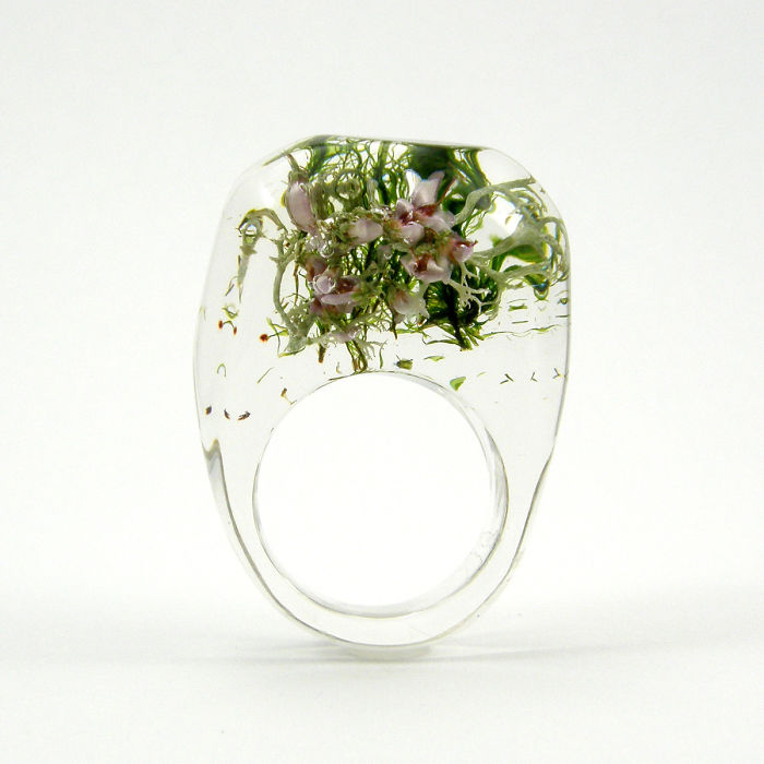 Ring With Moss And Heather