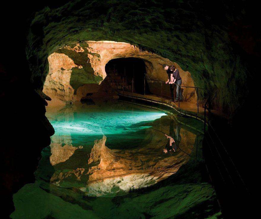 Jenolan Caves: New South Wales, Australia