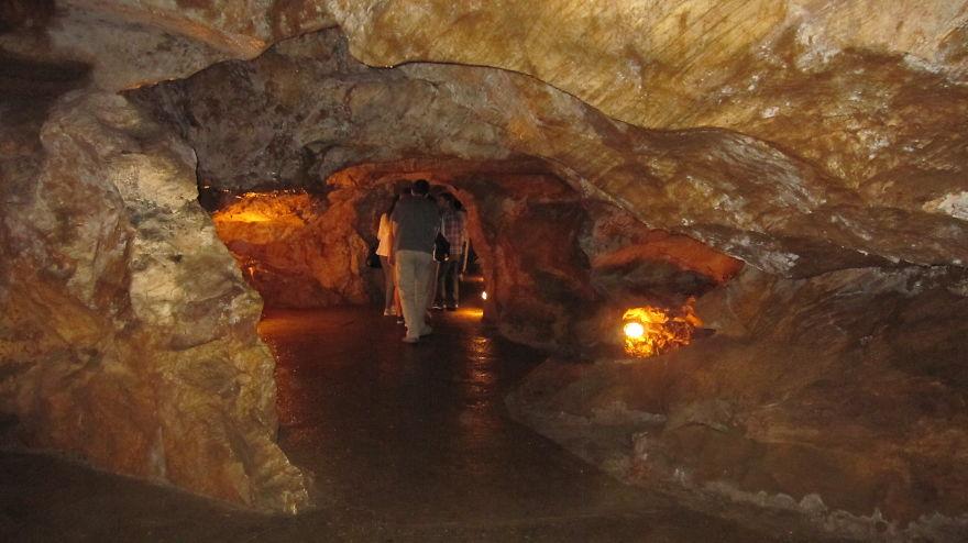 Gadime Cave, Kosovo