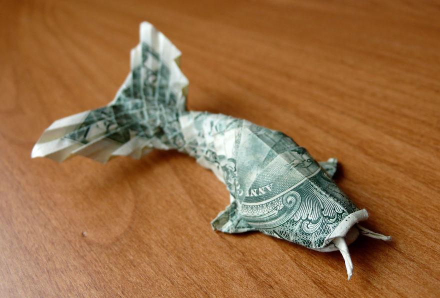 Dollar bill origami by craigfoldsfives bored panda for Dollar bill koi fish