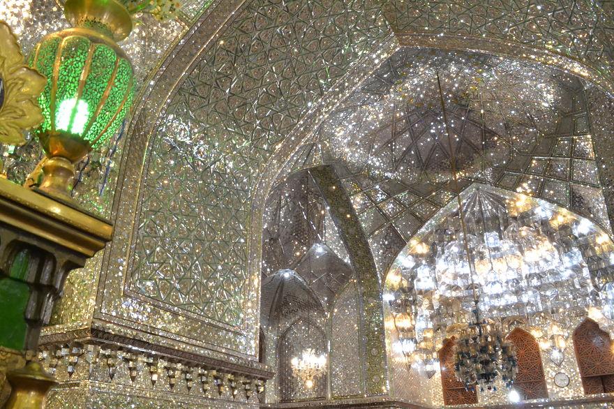 Ali Ibn (Ebne) Hazem acebo Santuario.  Shiraz, Irán