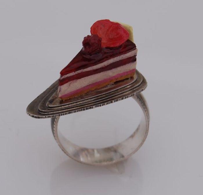Pierre Hermé Cake Slice