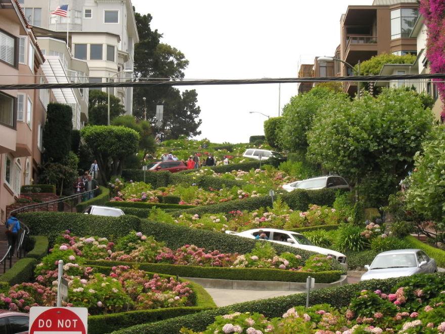 Famous Lombard Street , San Francisco, Usa